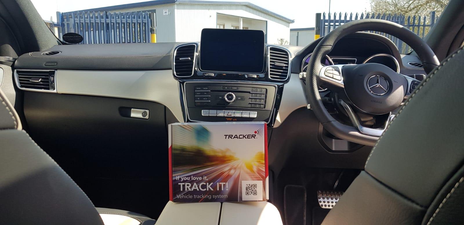 Mercedes Tracker Vantage S7
